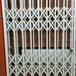 Двери раздвижные решетчатые