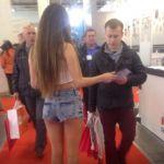 Услуги промоутеров - раздача листовок, расклейка объявлений, промо акции в Киеве